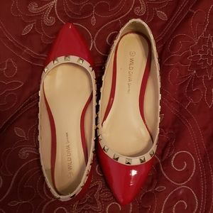 Wild diva lounge red and gold flats
